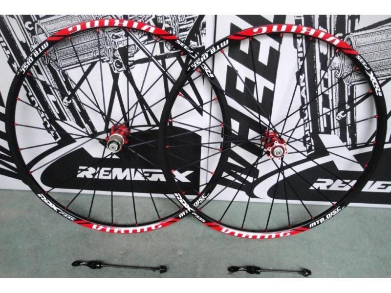 Zapletená kola Remerx 559 Viking, BA ráfek, černé špice, RED náboj 6 děr